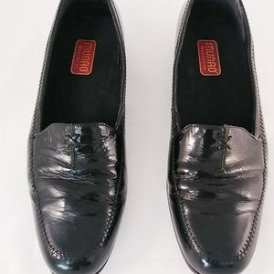 Munro American Leather Loafers Black